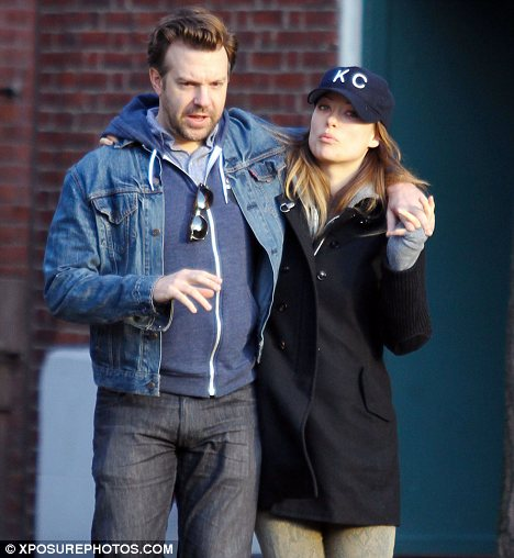 Cute couple: Olivia Wilde and Jason Sudeikis were seen holding hands as they enjoyed a romantic stroll around New York