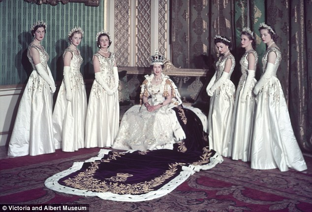 Flanking the Queen from left as they were then titled: Lady Moyra Hamilton, Lady Anne coke, Lady Jane Vane-Tempest-Stewart, Lady Mary Baillie-Hamilton, Lady Jane Heathcote-Drummond-Willoughby and Lady Rosemary Spencer-Churchill