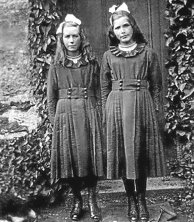 Two little girls: The non-identical twins were born back when Edward VII was on the throne