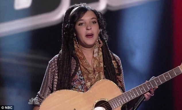 Street performer: Carson Daly hand delivered Naia Kete her audition ticket