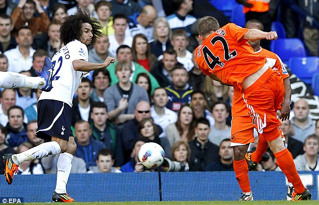 Equaliser: Sigurdsson strikes from the edge of the box