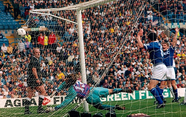 Spurred on: Everton overcame favourites Tottenham at Elland Road in 1995