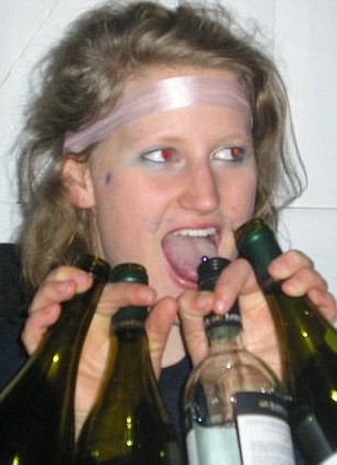 Thirsty: Holding four wine bottles at once