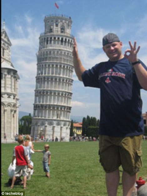 Pisa art: Every Tuscan tourist has captured this famous image