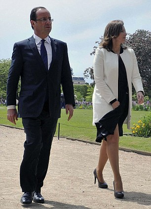 France's new President Francois Hollande (L) and his companion Valerie Trierweiler