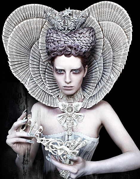 The White Queen: ruling over the forest of Wonderland