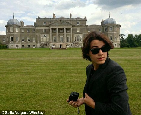 Sight-seeing: Earlier on Wednesday, Sofia and Manolo were at Wrotham Park in Herts for a photoshoot