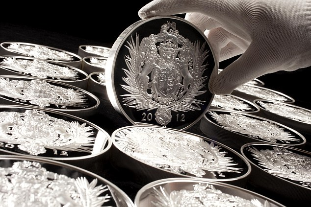 Commemorative coin: The Royal Mint made 1,250 Silver Kilo Coins that measure 100millimetres each