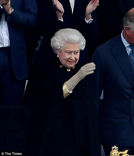 The Queen arrives at the Diamond Jubilee Concert to be surrounded by her family for a night of music