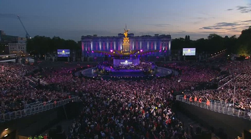 Thousands thronged the area in front of Buckingham Palace where a stage had been set up