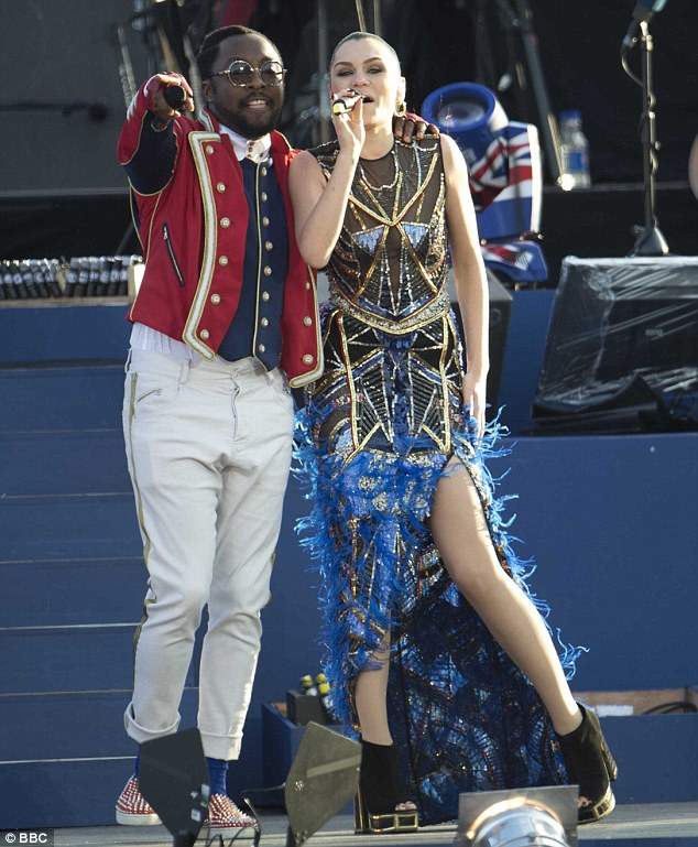 The mentors: Jessie and will.i.am took to the stage together and sang I've Gotta Feeling, before she performed Domino