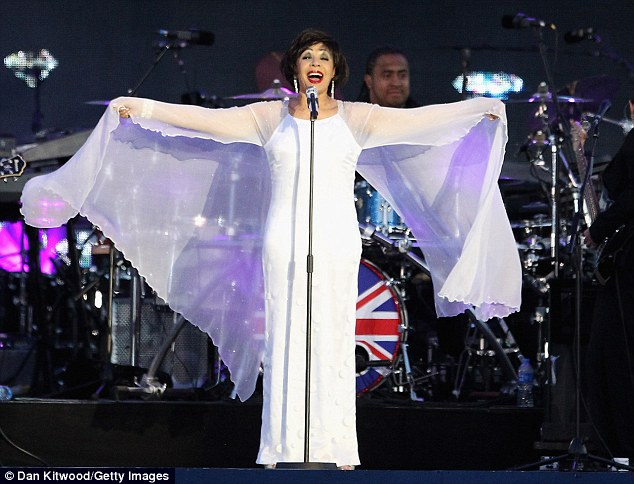 Shirley Bassey stood out in white as she performed Diamonds Are Forever for the Queen