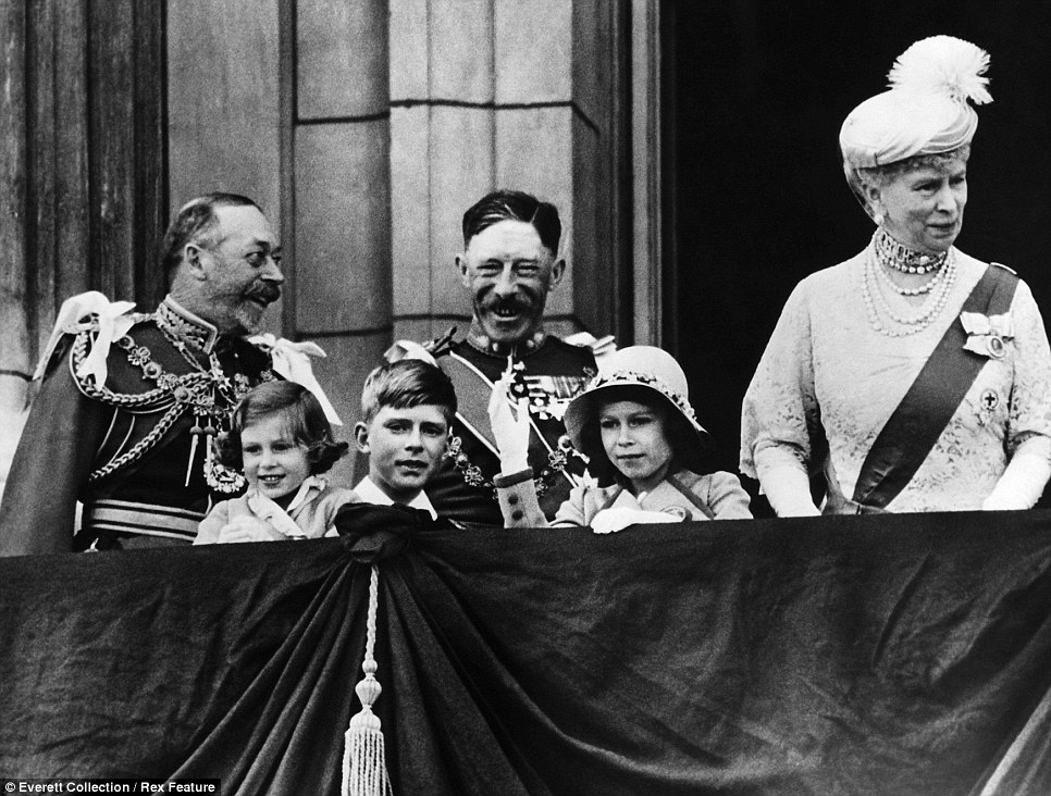 On the balcony (l to r): King George V, future Countess of Snowdon Princess Margaret; Gerald Lascelles; Earl of Harewood, Henry Lascelles; future Queen Princess Elizabeth; Queen Mary of Teck