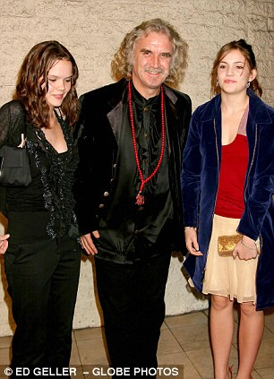 Billy Connolly with daughters Amy and Scarlet at a film premiere in Los Angeles in 2003