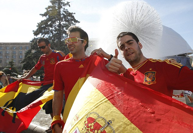 Thumbs up from us: Spain and Italy fans mix in Kiev before the final