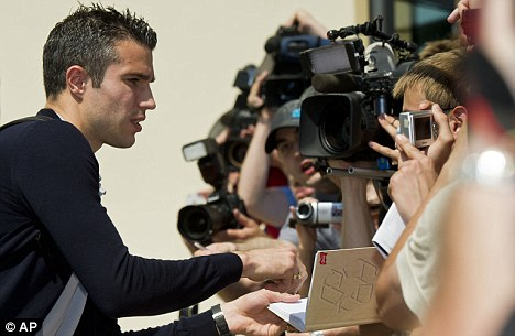 Signing: Will Robin van Persie move to Manchester City?