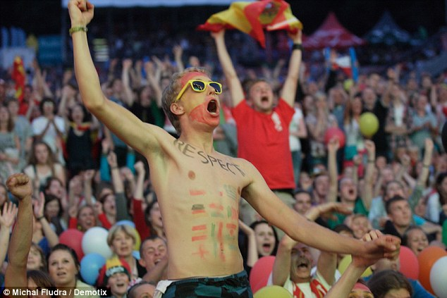 Viva Espana: Fans react as Spain score during the Euro 2012 final