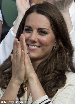 The Duchess of York applauds a Murray shot