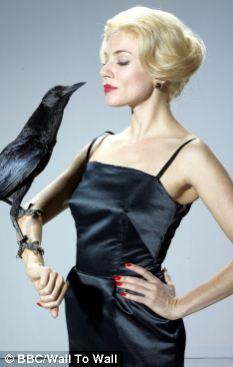 Sienna Miller as Tippi Hedren in new biopic The Girl