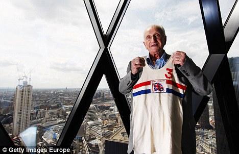 Memorabilia: Price played basketball of Great Britain in 1948