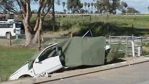 Australian police say they are now investigating the cause of the crash in which the mother of four died