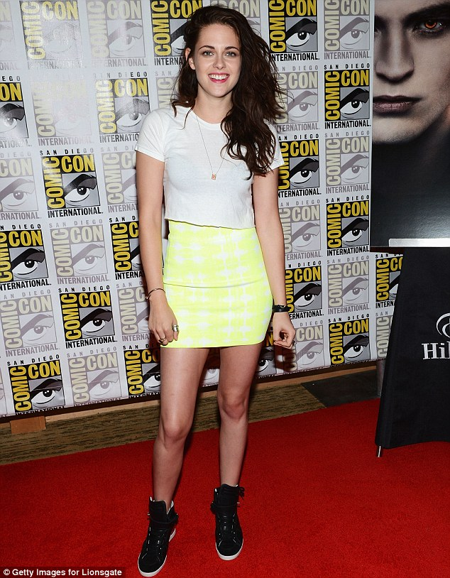 Relaxed: Kristen dons trainers at Comic-Con International 2012 inside San Diego Convention Center this month