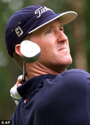Golfing champion David Duval is involved in a financial battle after allegedly failing to make the repayments on a bank loan