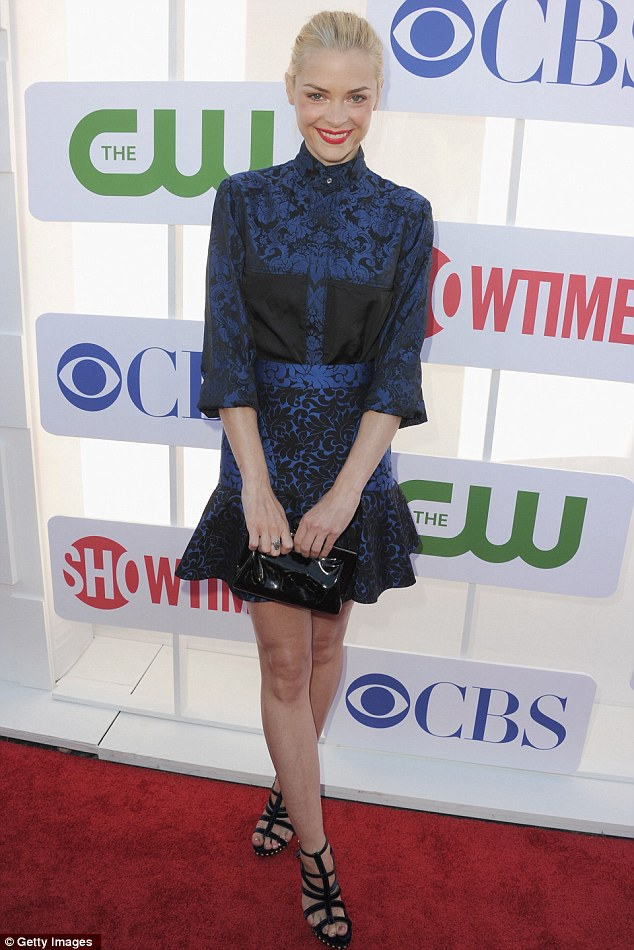 Individual style: Hart of Dixie actress Jamie King looked fabulous in an unusual black and blue print dress