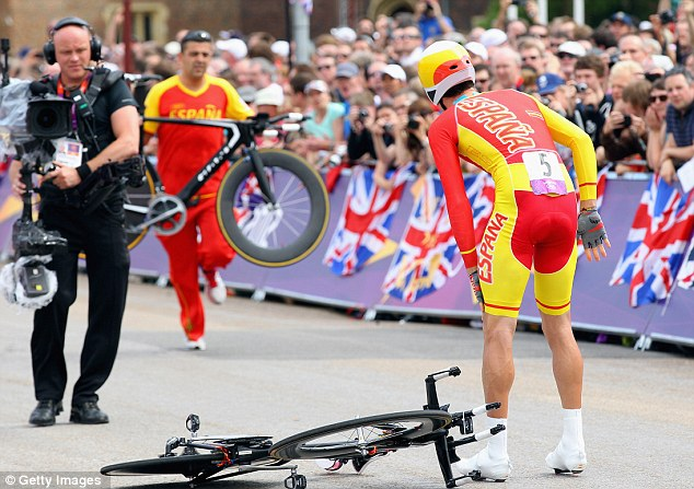 Mechanical failure: Spaniard Luis Leon Sanchez Gil needed a new bike just yards from the start