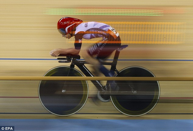 Keep up: Trott made up a deficit of two points in the final race to win the gold medal