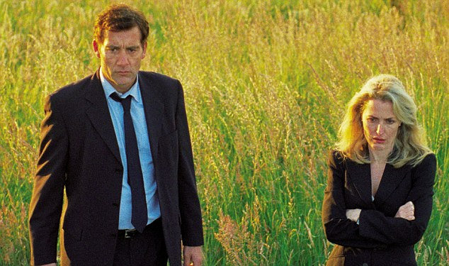 Clive with Gillian Anderson in Shadow Dancer