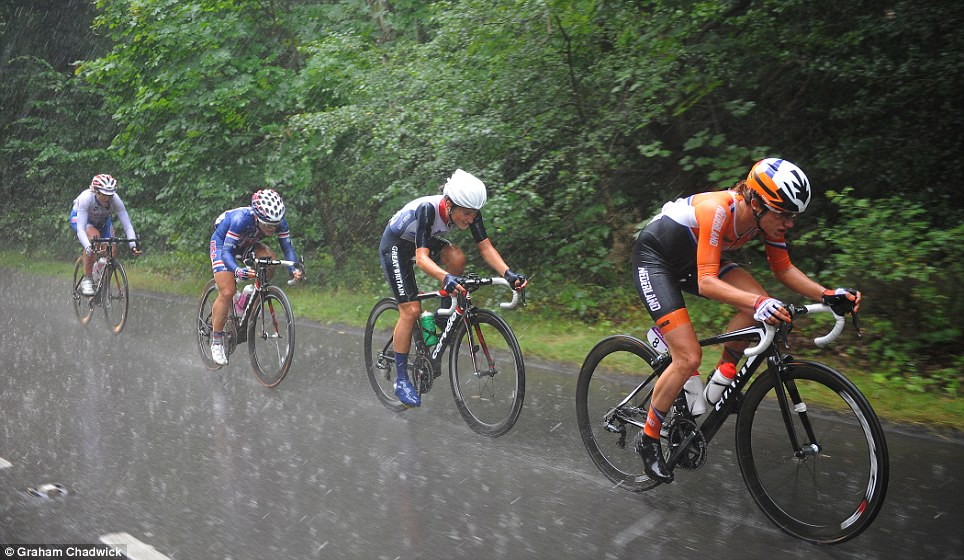 Silver service: Lizzie Armitstead (second right) follows Marianne Vos on her way to claiming GB's first medal of the Games