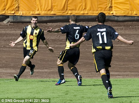 But Berwick's Fraser McLaren equalised half-way through the second half