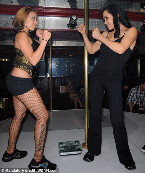 Octomom and CassanShe's a knock-out: Octomom and Cassandra Andersen at a pre fight weigh in