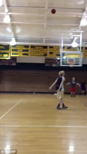 In an incredible video capturing Ryan Leonard who was born without arms on his high school?s court