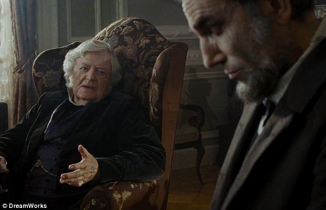 Advice: The film shows President Lincoln being advised by his political counsel on how best to deal with the Civil War