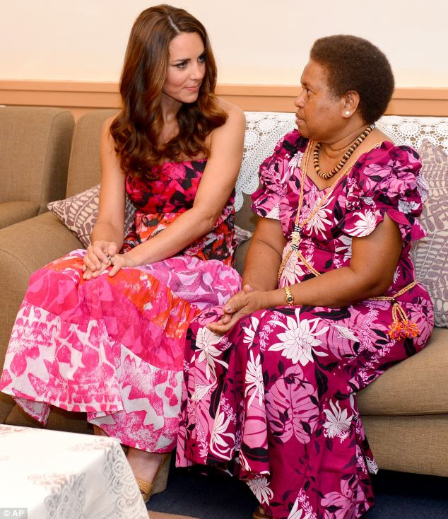 Glamour girls: Kate chats to Lady Grace Kabui, wife of the Governor-General of the Solomon Islands
