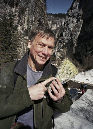 Peter Duncan with a packet of Bulgarian Mursalski tea.