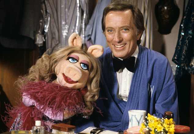 Friends in high places: Andy Williams and Miss Piggy on The Muppet Show in 1980
