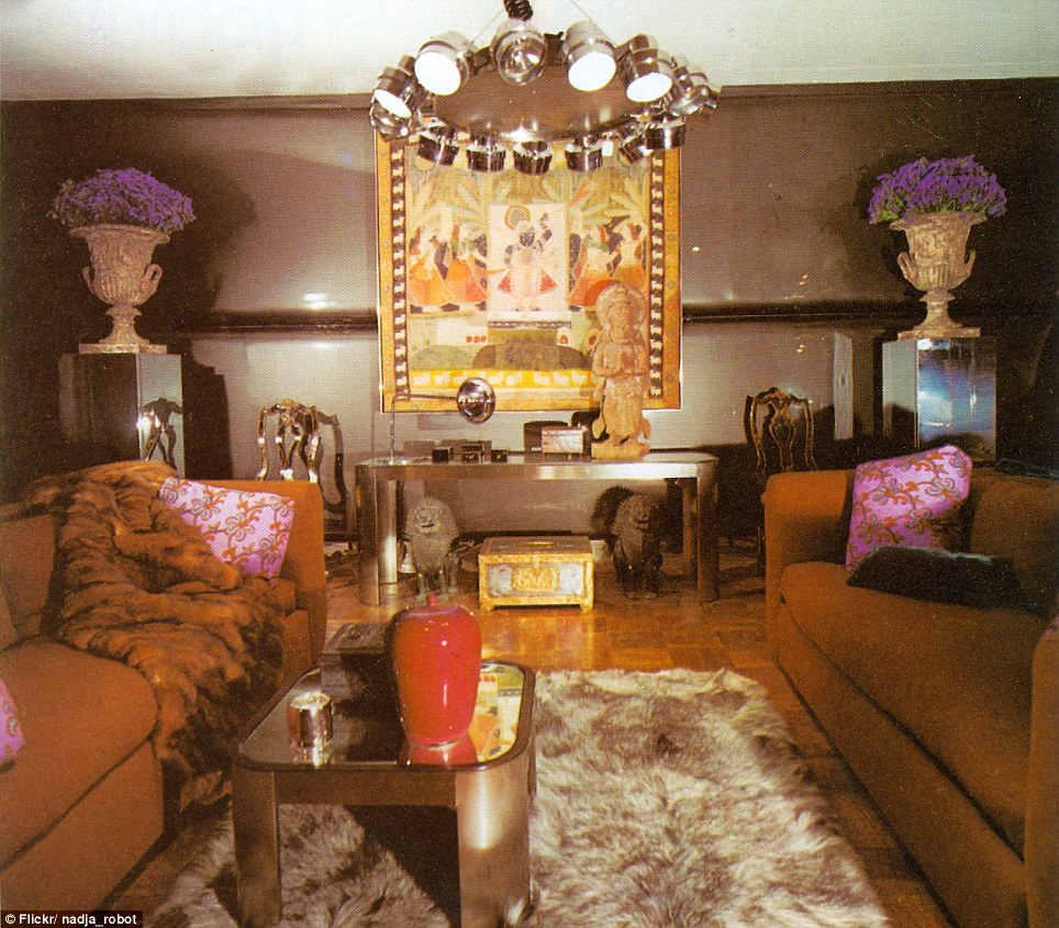 Green Living Room Ideas In East Hampton New York: Eat Your Heart Out Austin Powers! The Dizzying Retro Room