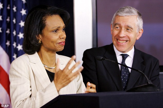 Straw speaking with U.S. Secretary of State Condoleezza Rice during a joint news briefing in 2006
