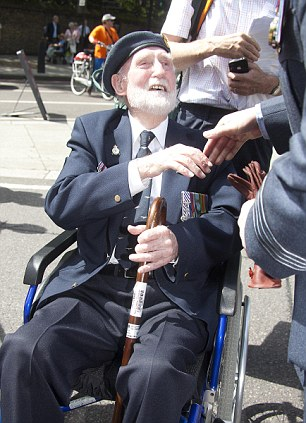 World War 2 veterans and their families arrive for the unveiling of the RAF Bomber Command Memorial