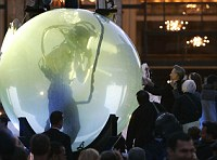 Drowned Alive: Blaine was submerged in a glass sphere