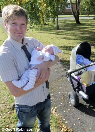 de of the pushchair...SEE COPY CATCHLINE Dad makes world's fastest pushchair