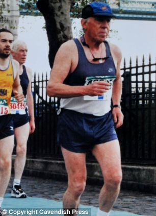 Peter Fleming completing the London Marathon in 1998