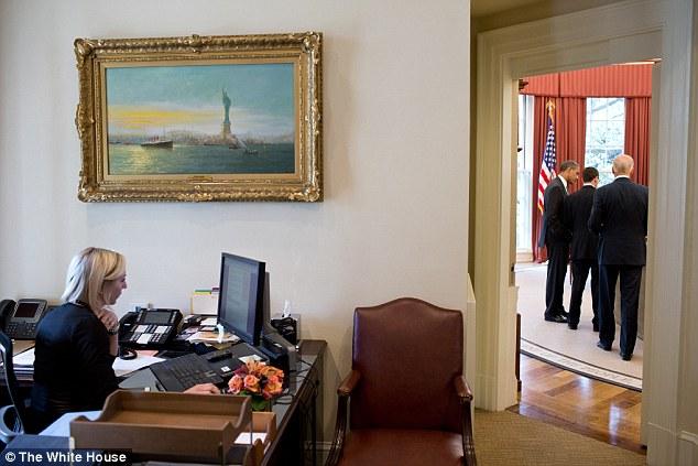 Meeting: President Barack Obama talks with Senior Advisor David Plouffe and Vice President Joe Biden in the Oval Office on September 14