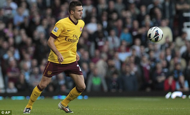 Right way: Roy Hodgson's approach to Carl Jenkinson over his England future showed class