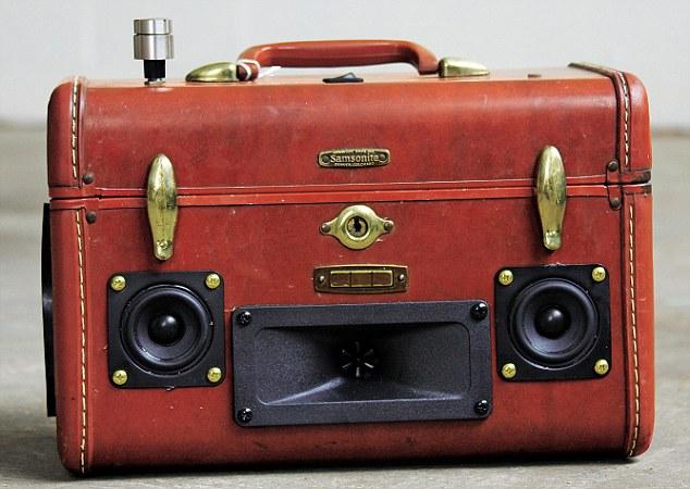 Train case 'Bumpkin'