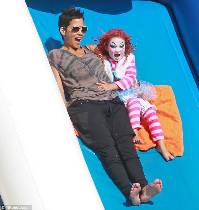 Weee! A barefoot Halle Berry was spotted letting loose as she joined her daughter Nahla down the super-slide at Mr. Bones Pumpkin Patch in West Hollywood Tuesday