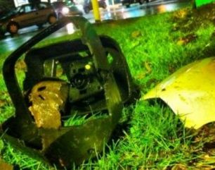 Twitter picture claims to show parts of car in aftermath of collision witter picture claims to show aftermath of collision